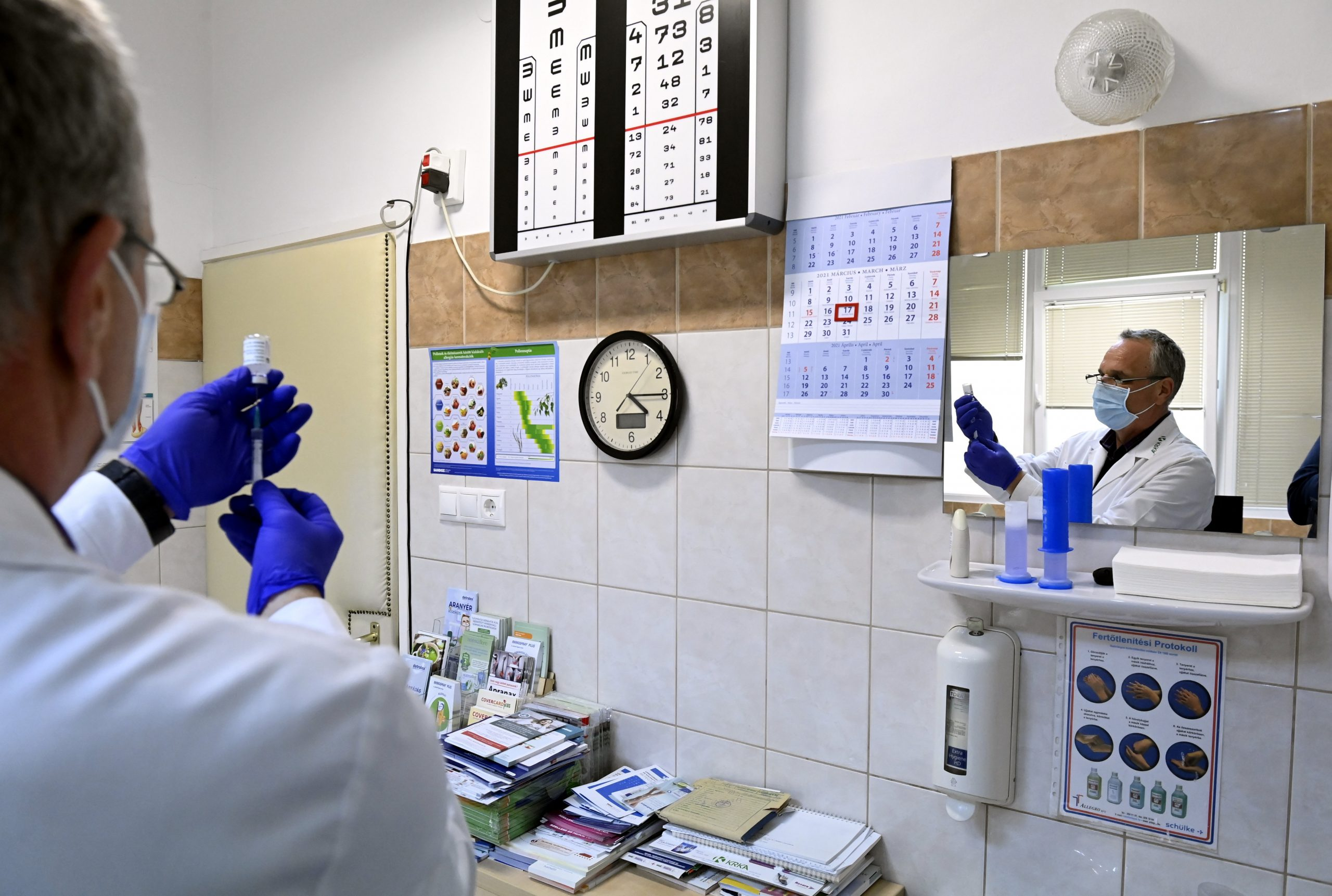 Reopening in Three Weeks Unlikely if Vaccination Rate Doesn't Increase
