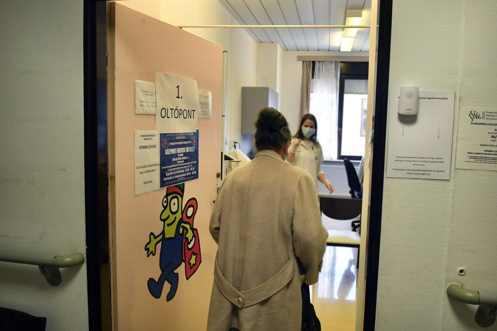 Chaos and Confusion Overwhelm Hungary's Weekend Vaccination Program post's picture