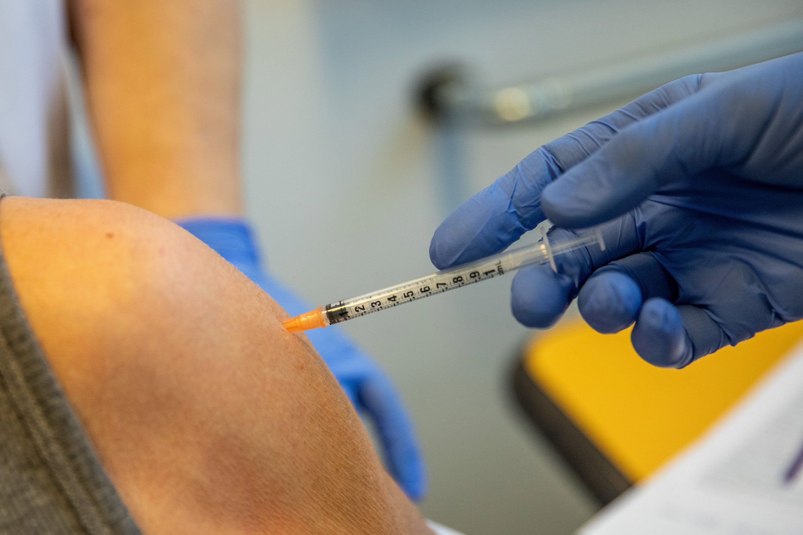 Hungarian Press Roundup: Vaccination Crossfire