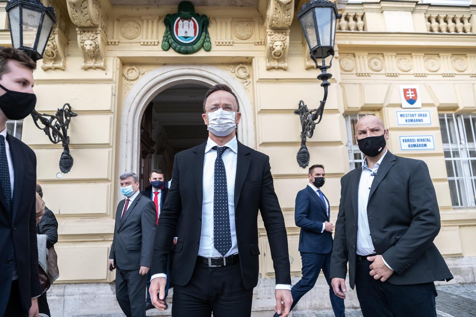 FM Szijjártó in Slovakia: 'Dual Citizenship Should Not Be Feared'