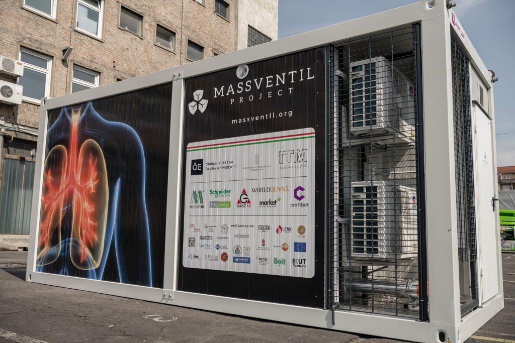 Mass Medical Ventilator Prototype Finished at Óbuda University post's picture