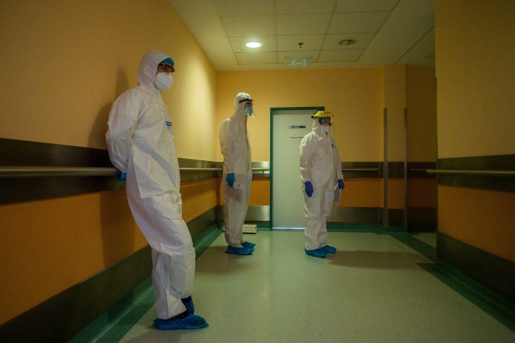 Coronavirus: 256 Fatalities, Hospitalizations Fall Below 10,000 post's picture