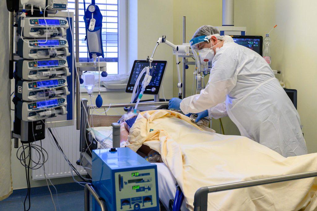 Coronavirus: 64 Fatalities, New Infections Below 400 post's picture