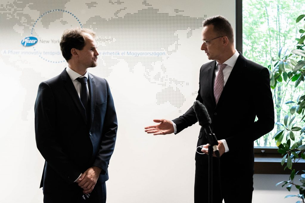 FM Szijjártó: Hungary Has Enough Vaccine for Everyone Who Asks for It post's picture