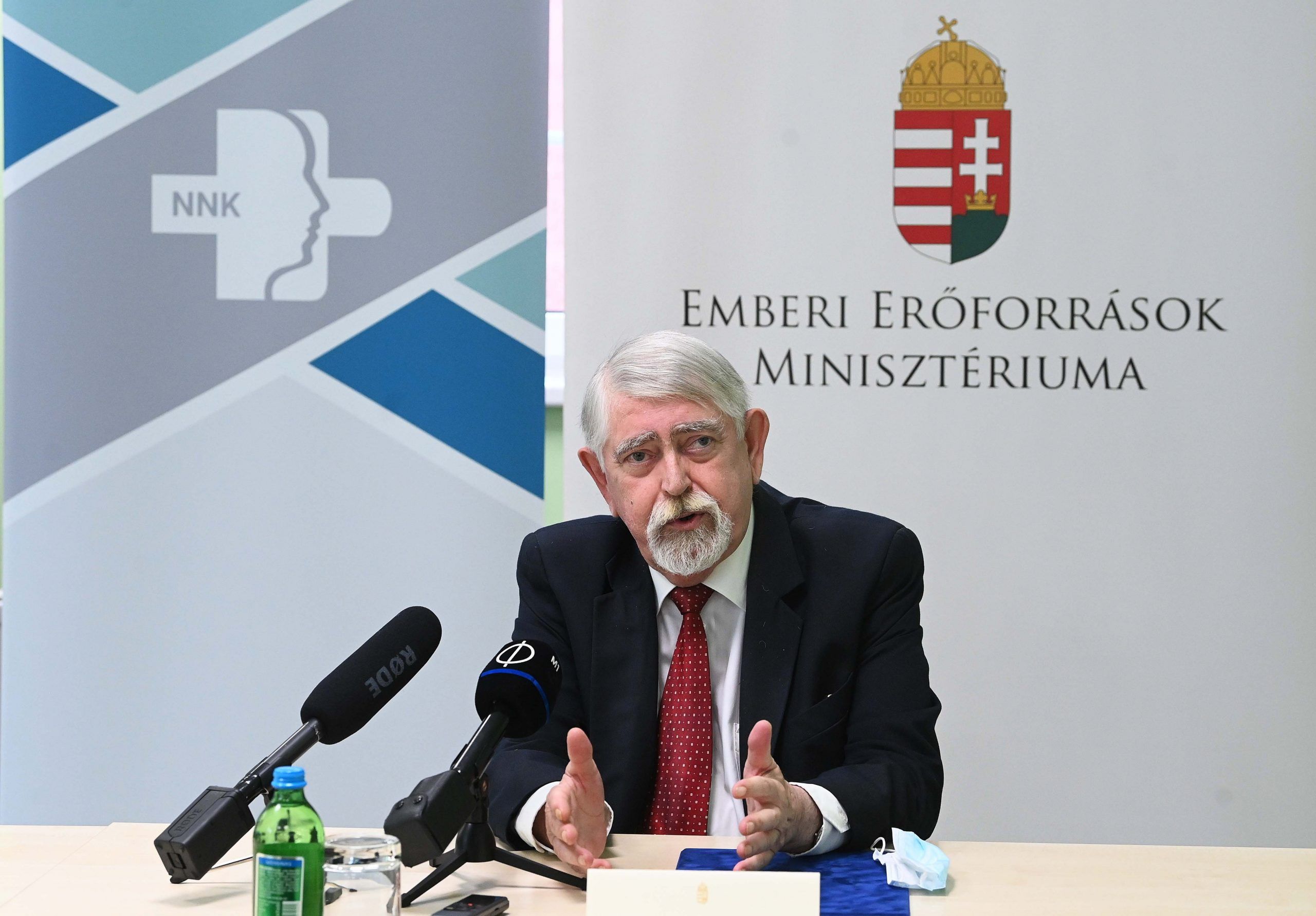 Human Minister: WHO's Sinopharm Approval Proves Hungary Govt Position