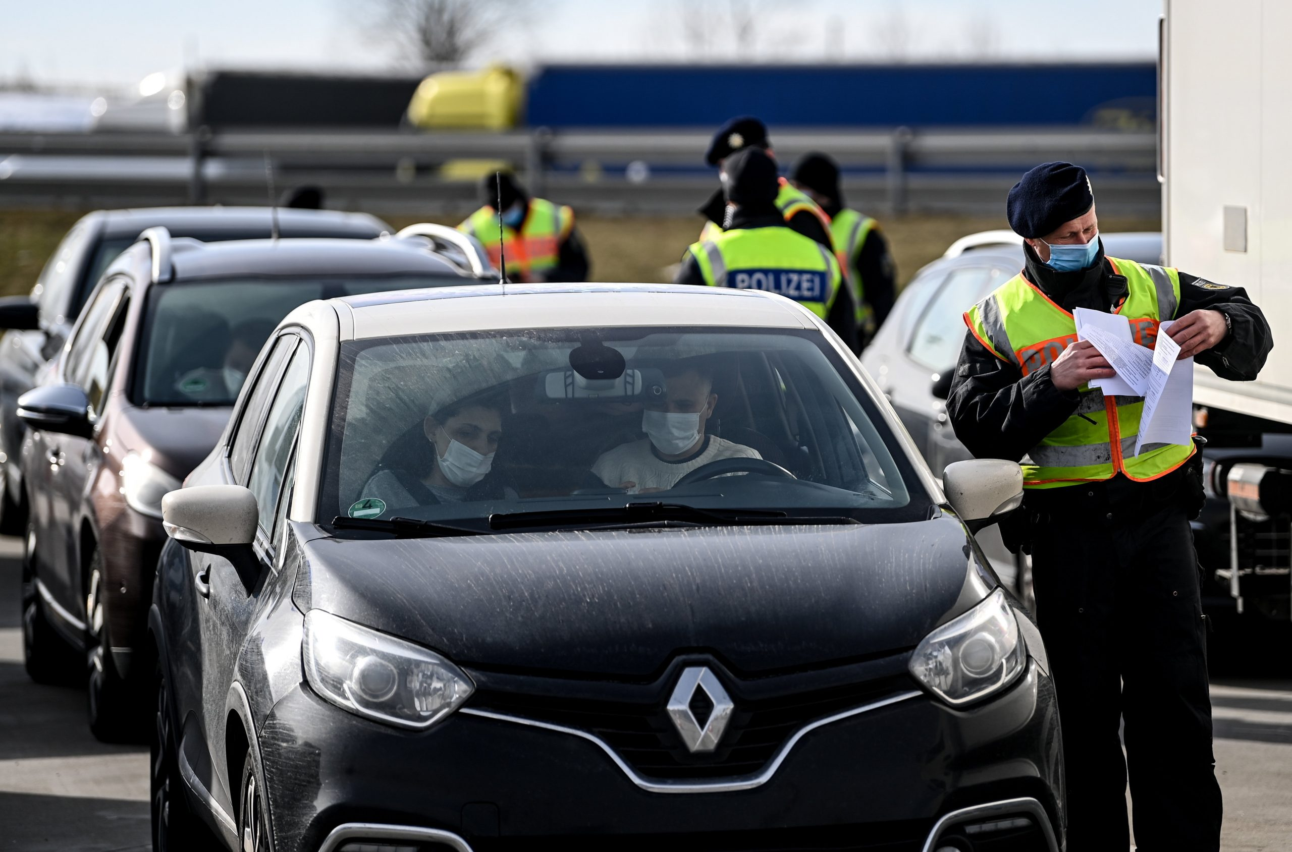 Germany Allows Unrestricted Entry from Hungary