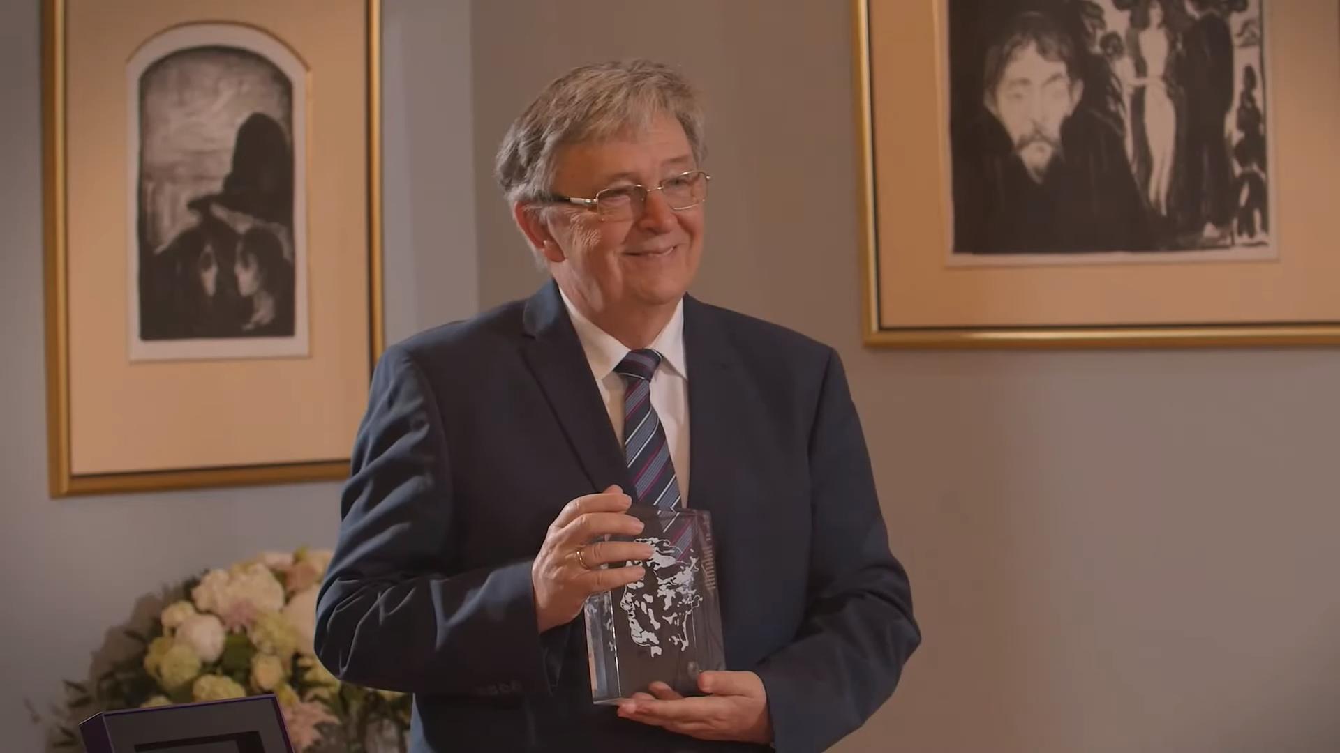 Abel Award Presented to László Lovász for Pioneering Computer Science