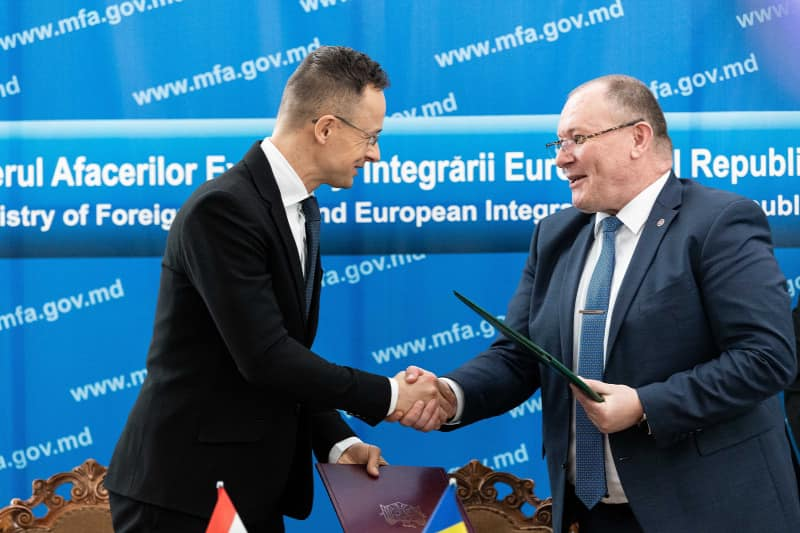 Hungary and Moldova Agree to Allow Unimpeded Travel post's picture