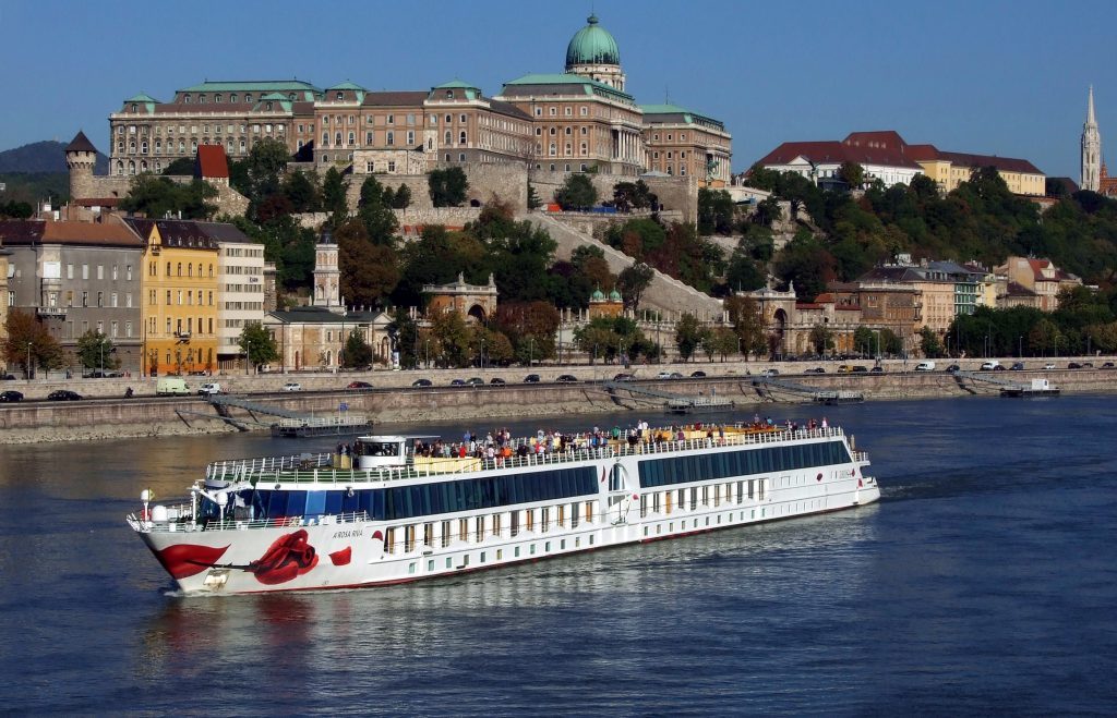 First Cruise Ships Arrive in Hungary Since September post's picture