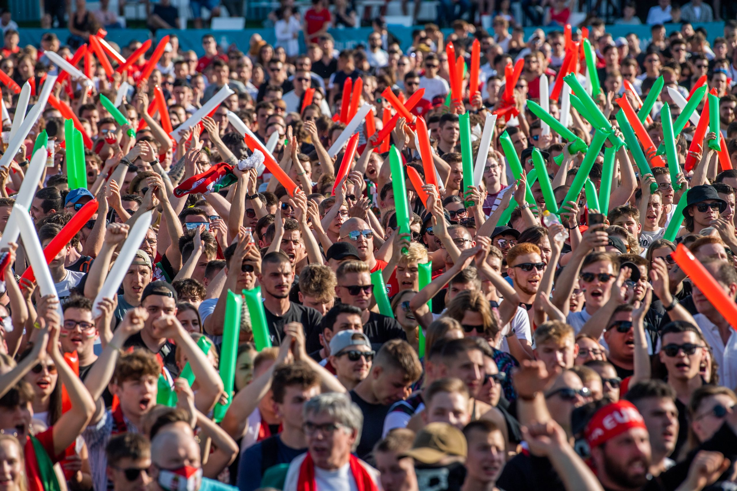 Football is About Passion: Hungarian Fans March to First Domestic EC Match Ever - PHOTOS!