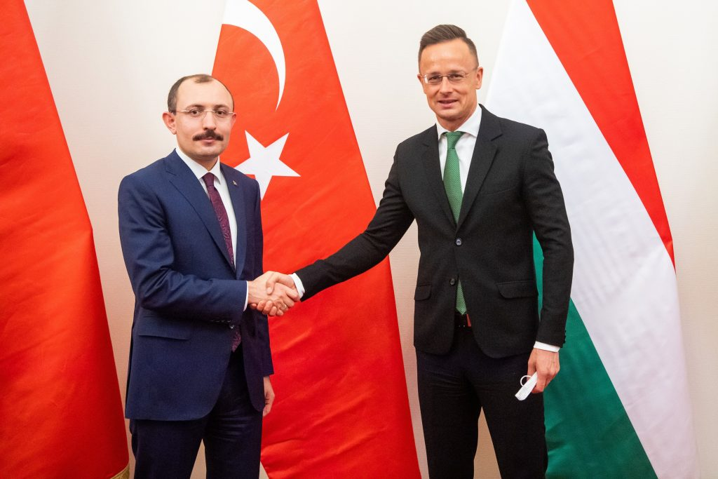 FM Szijjártó: Cooperation with Turkey Economic and Security Priority post's picture