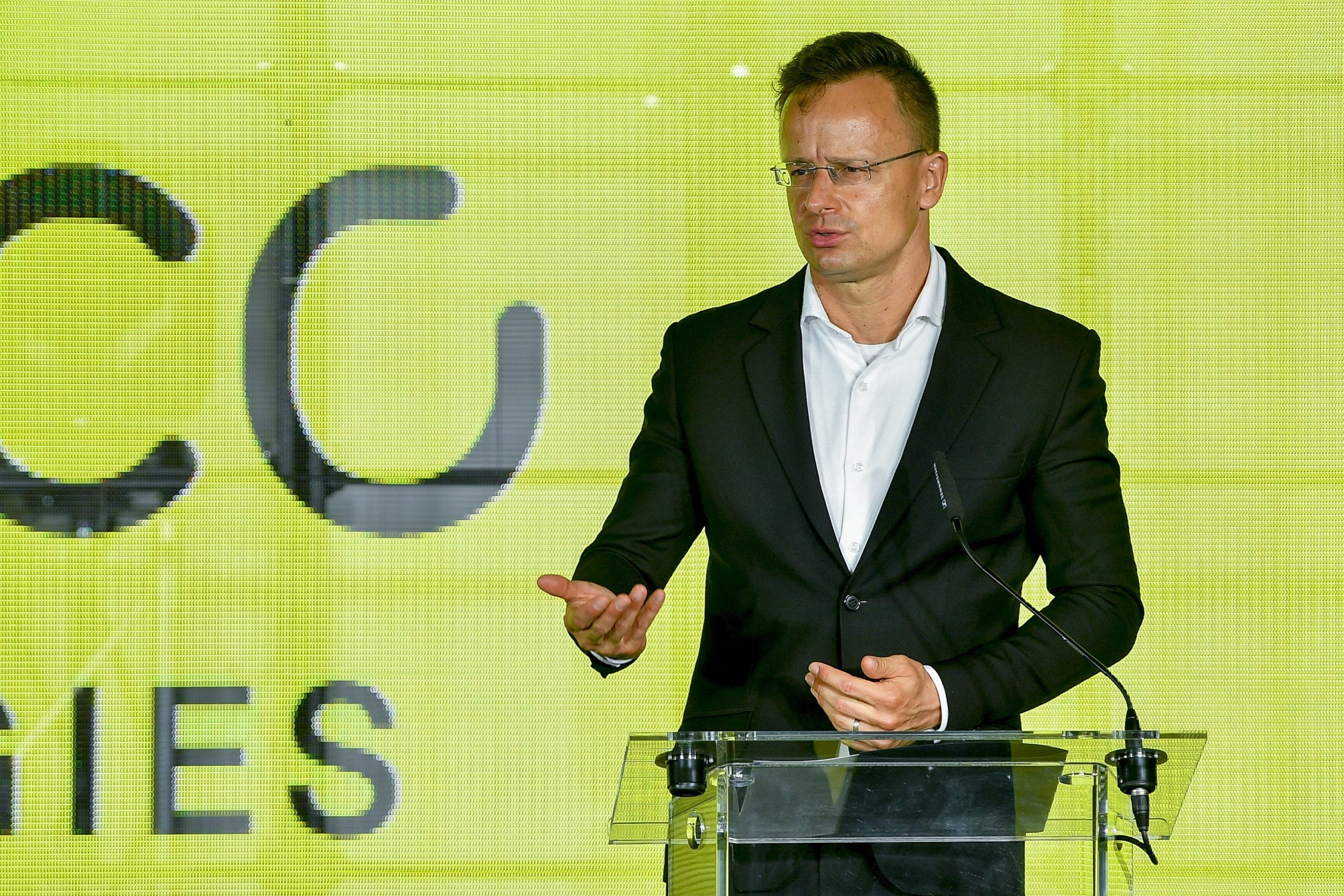 More Proposals Approved to Speed up Economic Recovery, Péter Szijjártó Says