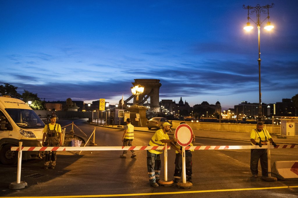 Second Phase of Chain Bridge Reconstruction Gets Underway post's picture