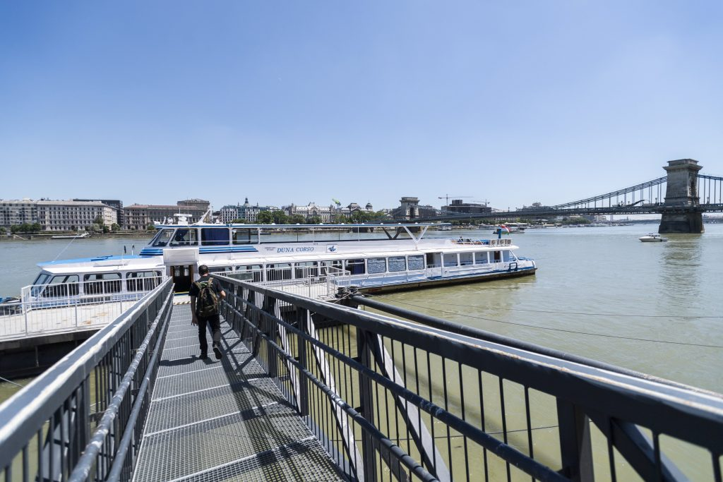 Passenger Boat to Operate During Chain Bridge Renovation post's picture