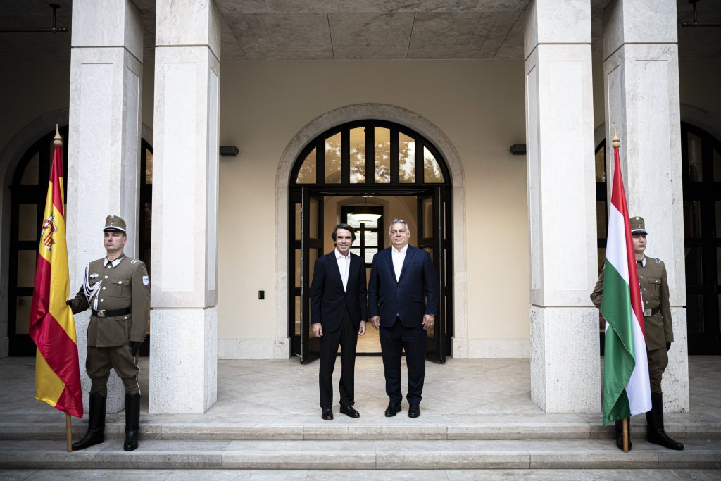 PM Orbán Holds Talks with Former Spanish Premier Aznar post's picture