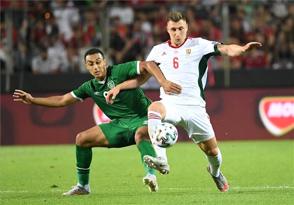 Hungarian Footballer Willi Orban Receives Major Acknowledgment in Bundesliga