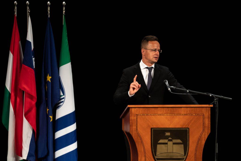 FM Szijjártó Granted Honorary Citizen Title in Lendva post's picture