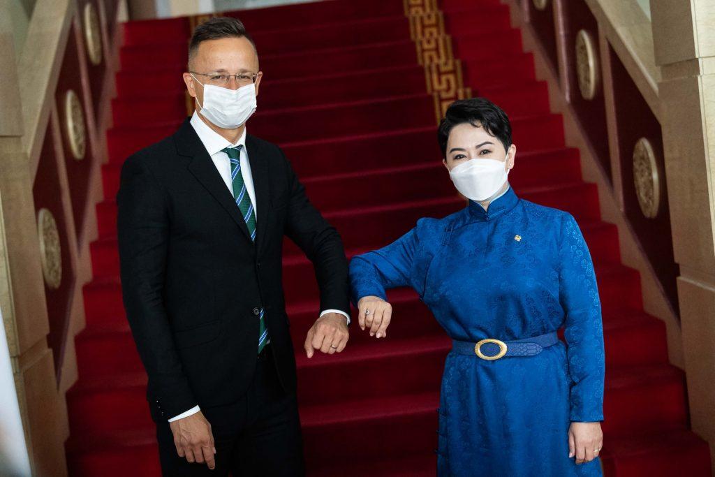 Hungary Donates 33 Ventilators to Mongolia post's picture