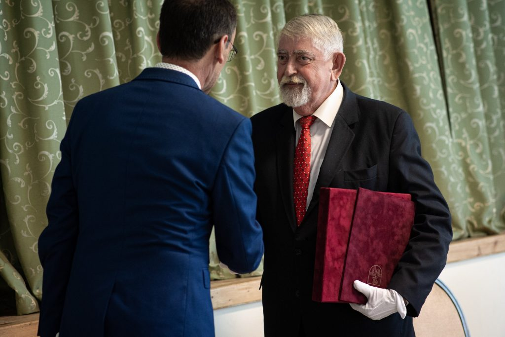 Human Minister Kásler Made Honorary Citizen of Slovakia's Ipelske Predmostie post's picture