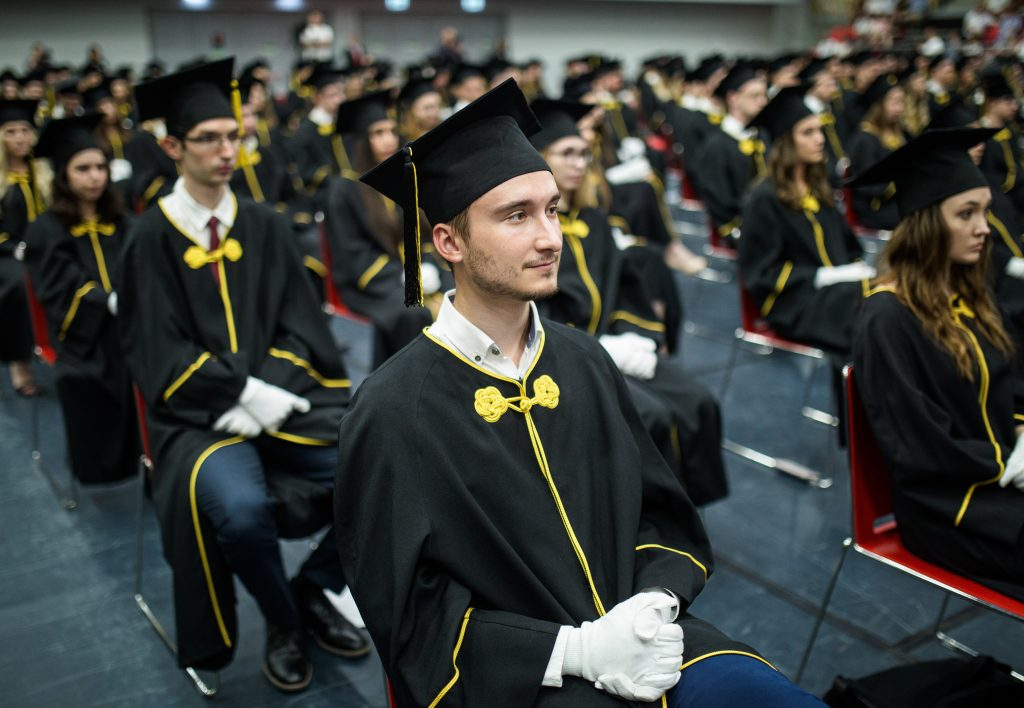 Nearly 76,000 Freshmen in Higher Education from September post's picture