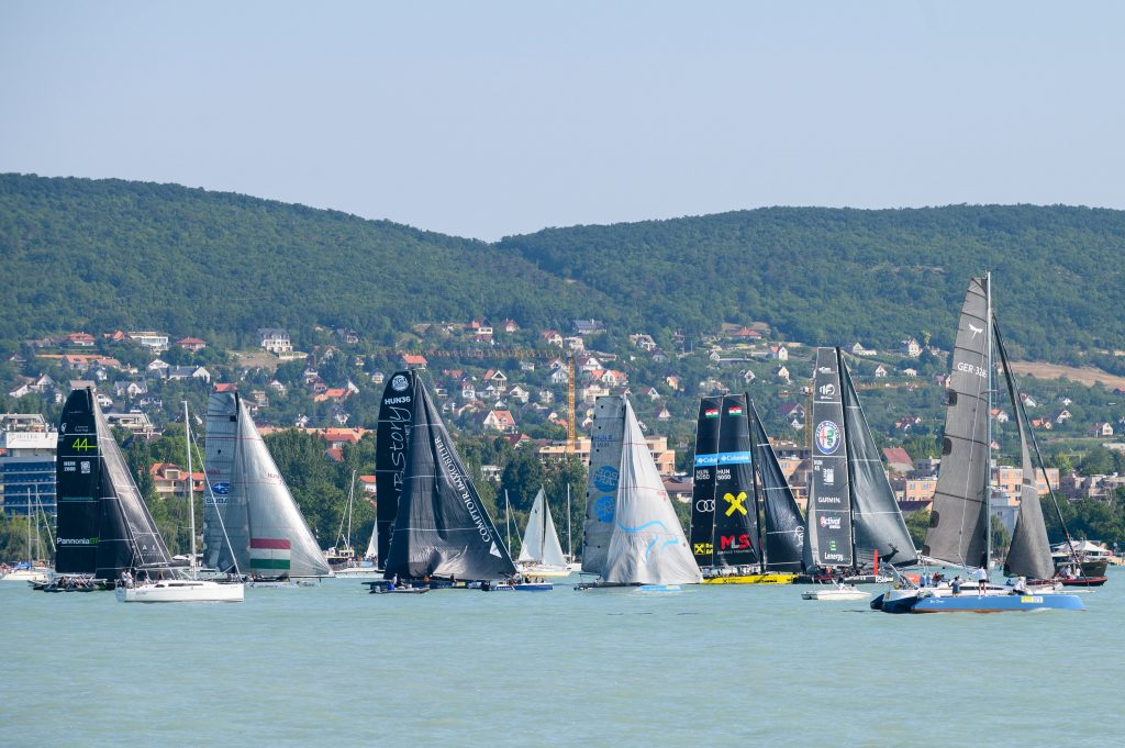 Blue Ribbon Regatta, Europe's Oldest Round Lake Competition Kicks Off – PHOTOS! post's picture