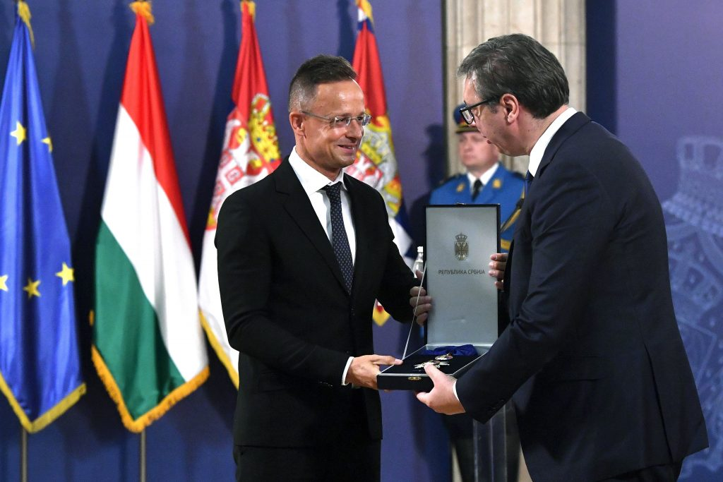 Hungary FM Receives High Serbian State Award post's picture