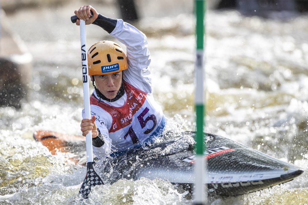 Hungary's First Kayak Slalom Olympian Withdraws from Games After Obligatory Vaccination post's picture