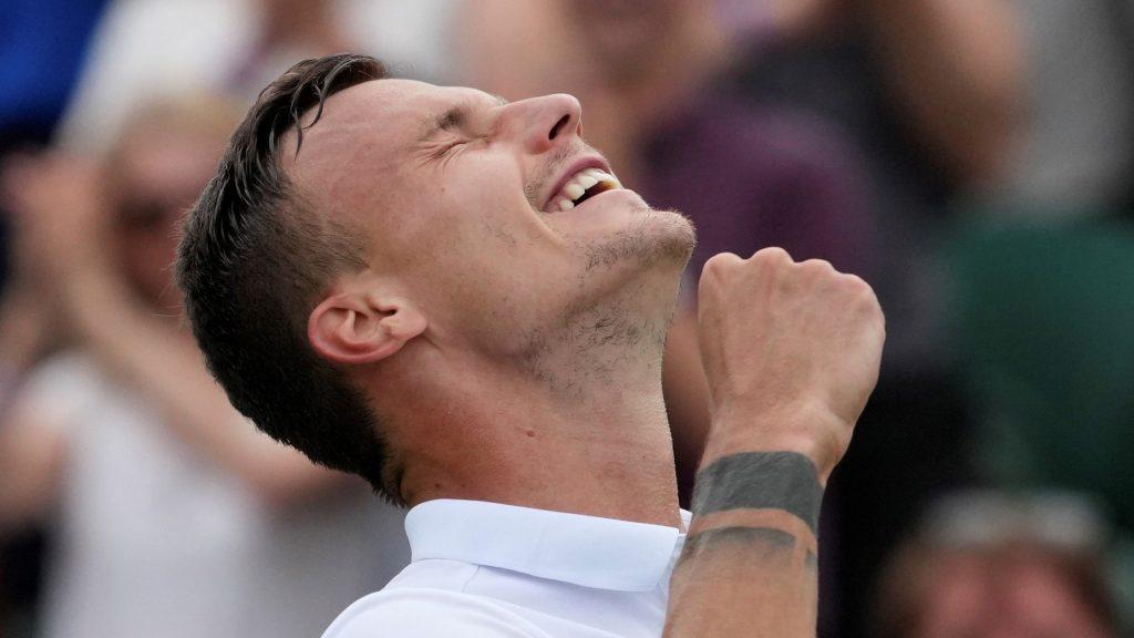 Sensational Victory: Fucsovics Beats Rublev, Reaches First Grand Slam QF post's picture