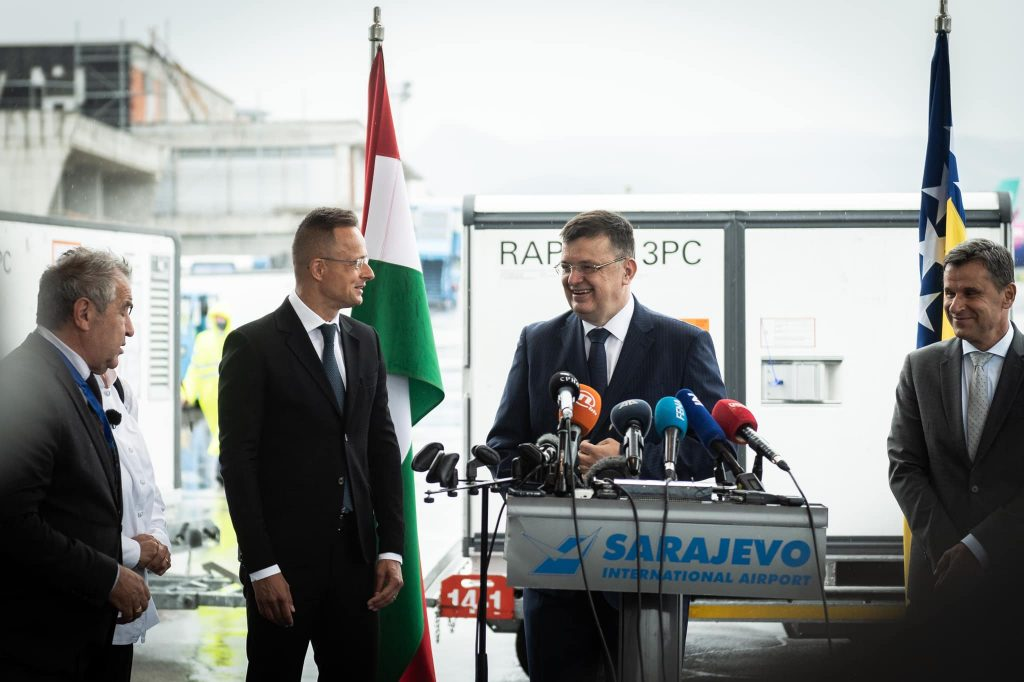 Hungary Sends 200,000 Sinopharm Doses to Bosnia-Herzegovina and Montenegro post's picture