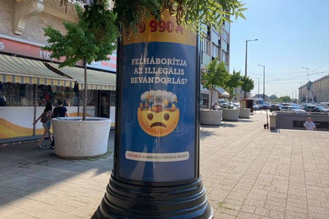Fidesz Gov't's New Political Ad Campaign Uses Emojis to Advertise Nat'l Survey
