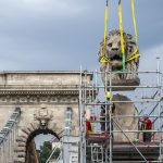 Chain Bridge's Iconic Roaring Lion Statues to be Removed for Renovation