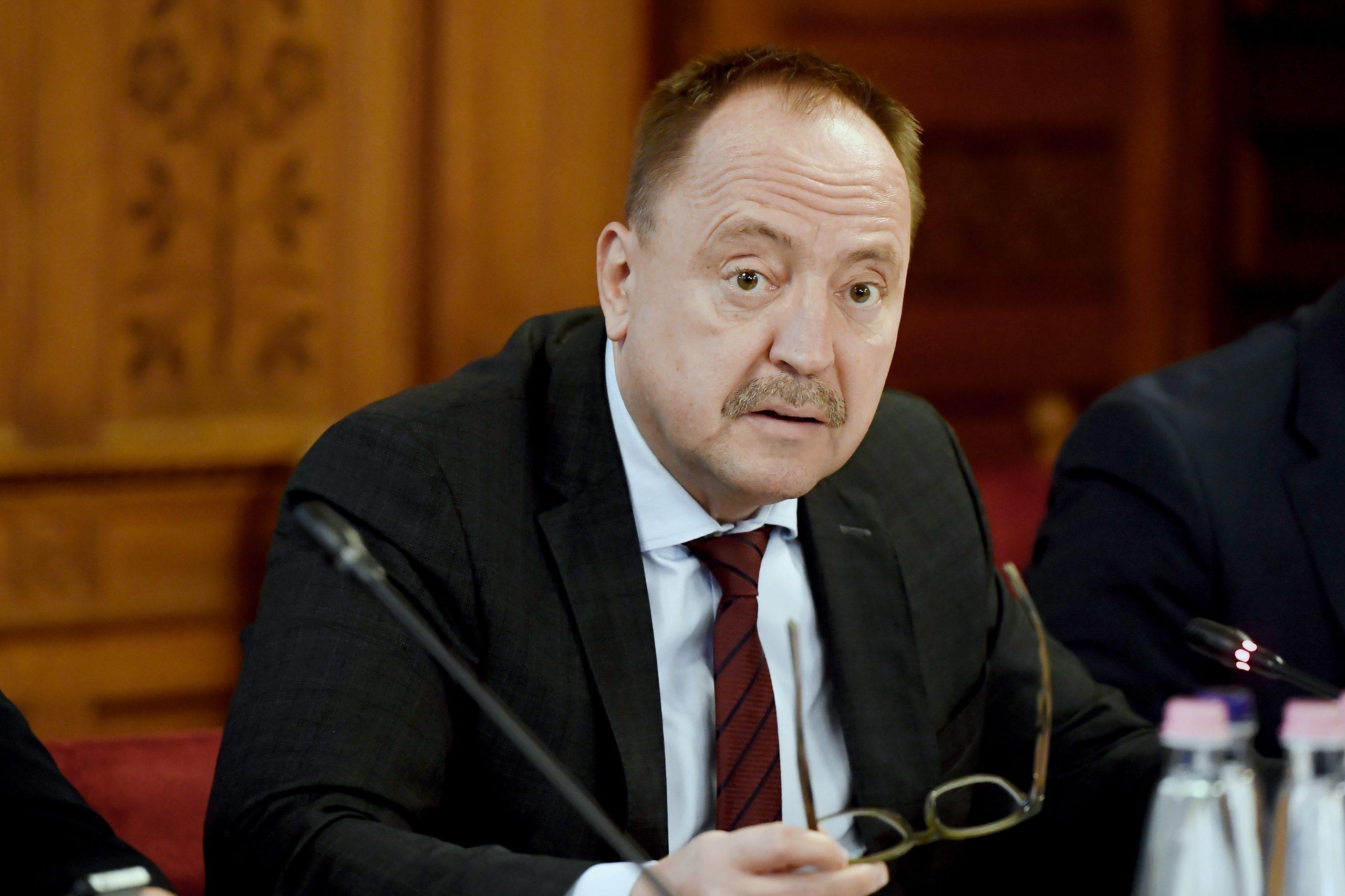 Deputat Fidesz Namit: România trebuie să decidă trei participări maritime