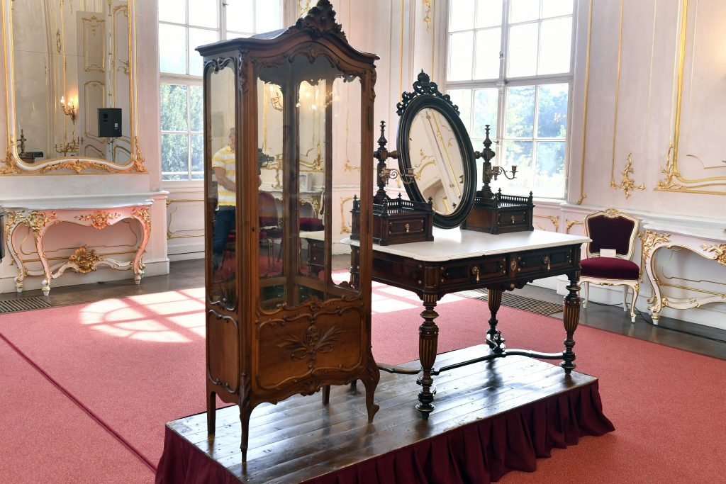 Furniture of Queen Elisabeth 'Sissi' of Hungary Repurchased from Germany post's picture