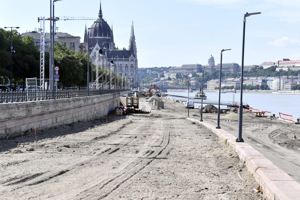 Budapest Prepares for Redesigning Danube Embankment Area post's picture