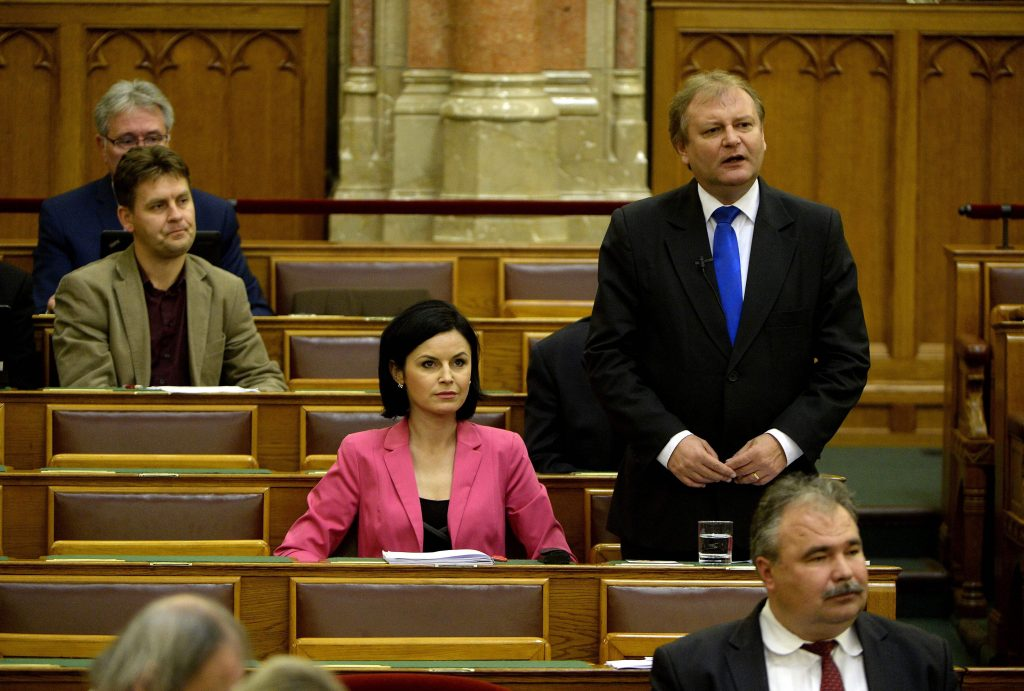Socialists Vow to Compensate Hungarian Evangelical Fellowship for Govt Support Cuts post's picture