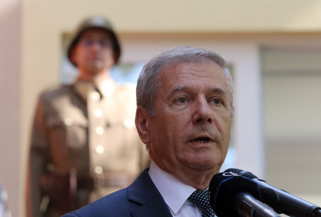Defence Minister: Each Nation Must Guarantee Its Own Security post's picture