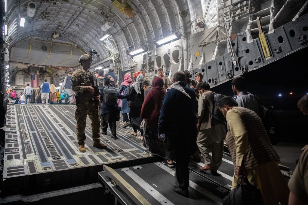 Hungary Does Not Grant Automatic Asylum to 96 Evacuated Afghans post's picture