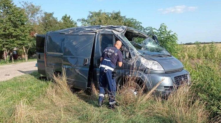 Van Carrying Migrants Overturns near Austria Border post's picture