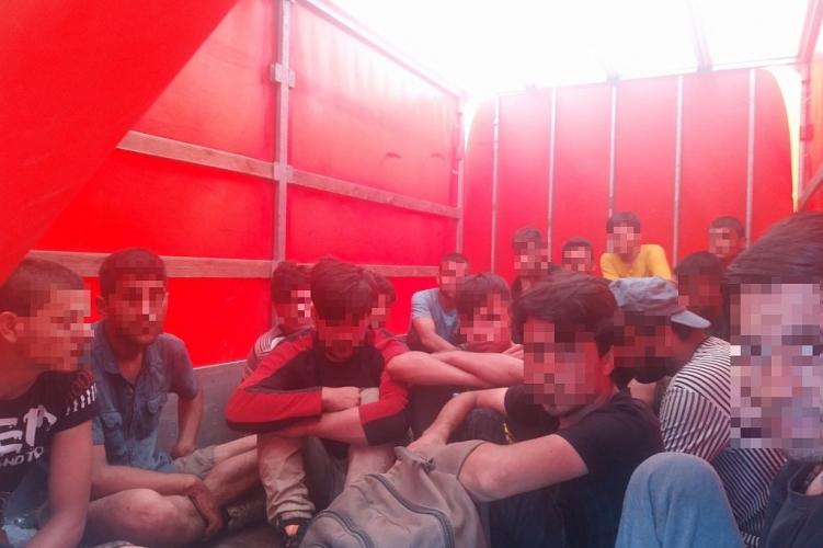Seventeen Border Violators Found in Van on Budapest-Vienna Motorway post's picture