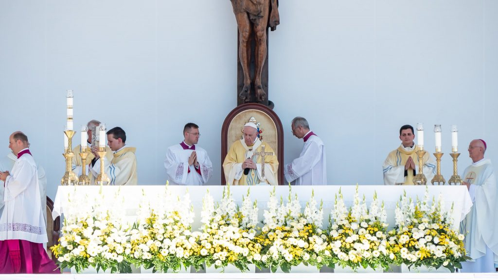 Press Roundup: Pope Francis Celebrates Mass in Budapest post's picture