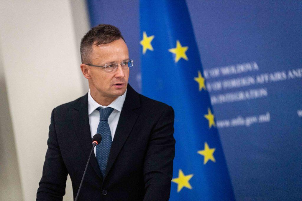 Trade Min Szijjártó: Hungary Could Profit From China-EU Railway Cargo Transport post's picture