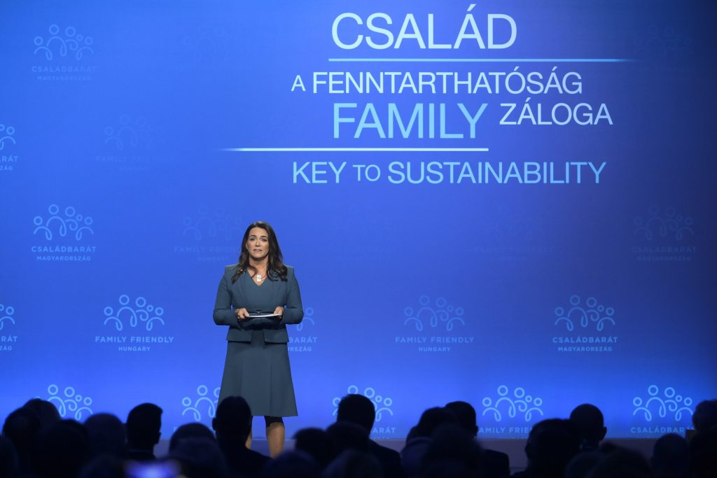 'Family Has No Alternative', says Family Min Closing Demographic Summit post's picture