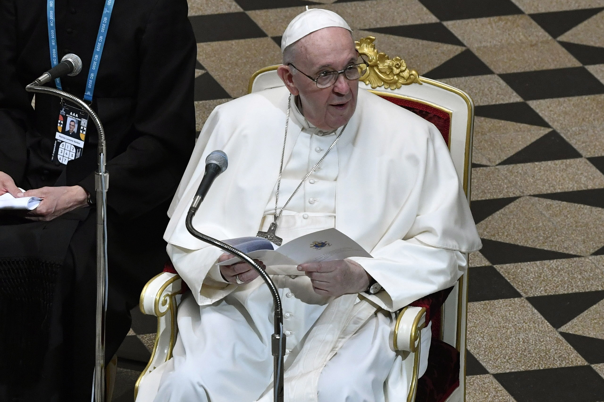 Pope Francis Urges Christians and Jews to Unite Against Anti-Semitism