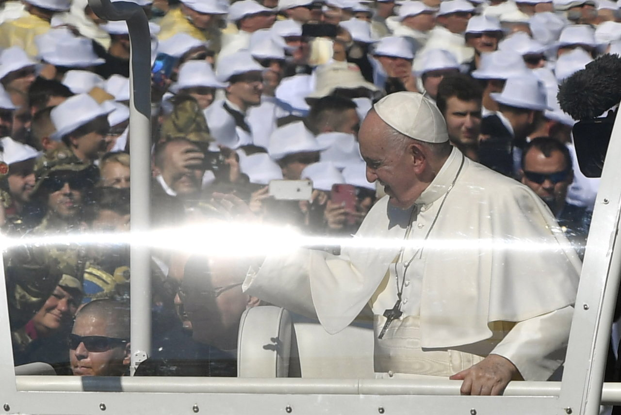 Pope Francis Praises Hungarians'