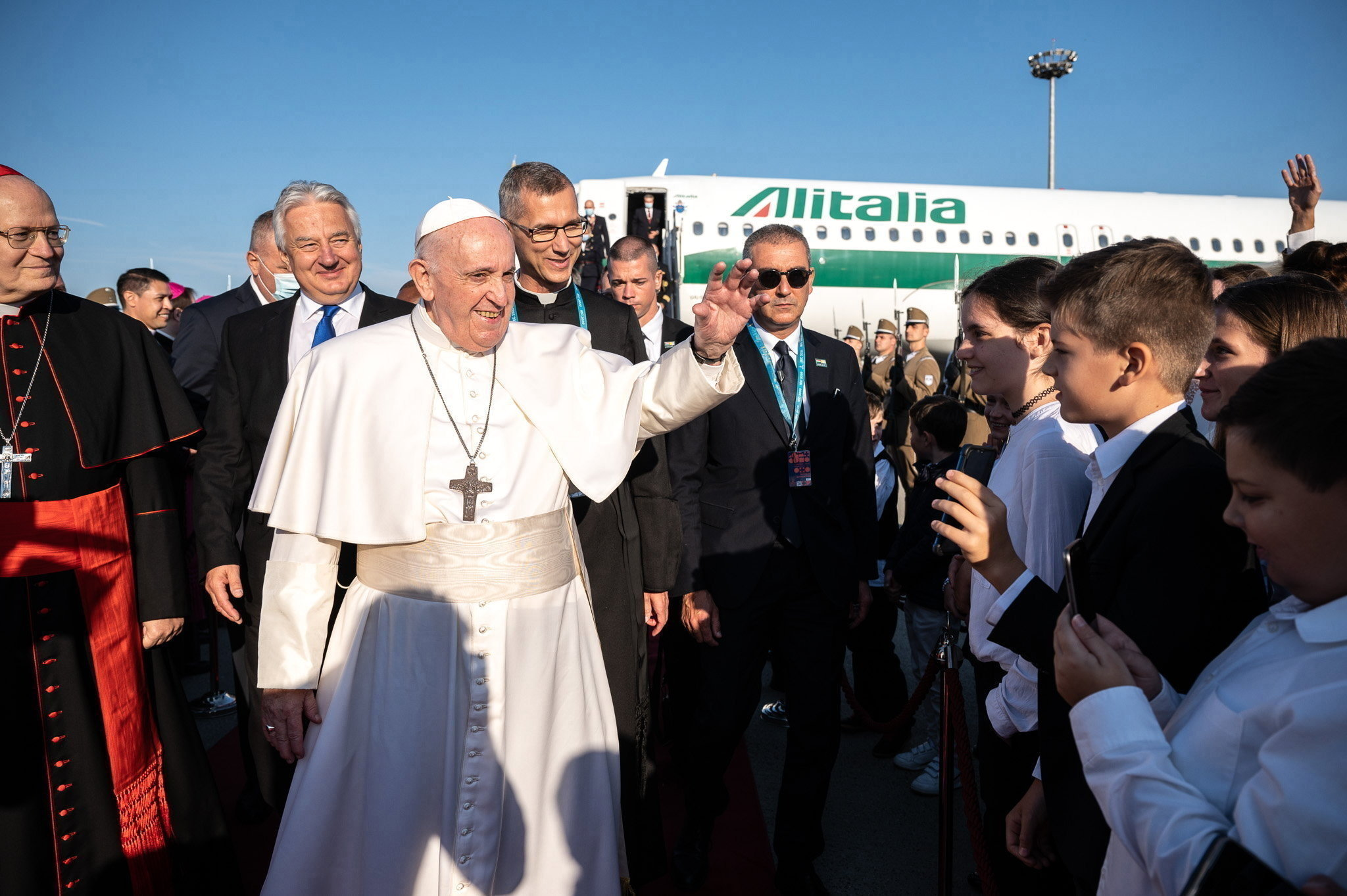 Pope Francis Arrives in Budapest for Intl Eucharistic Congress