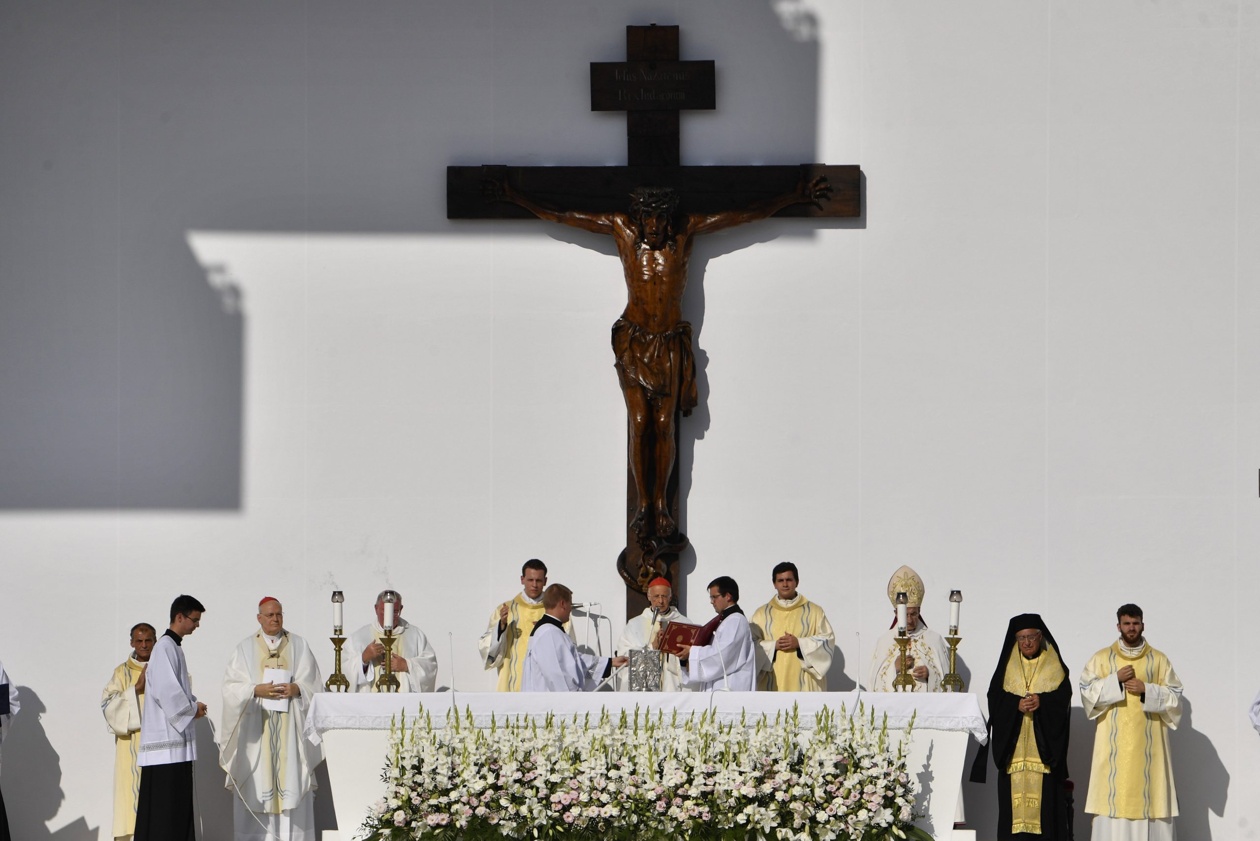 'The Eucharist is the source for the life and mission of Christians,' Cardinal Erdő at Opening Mass of 52nd International Eucharistic Congress