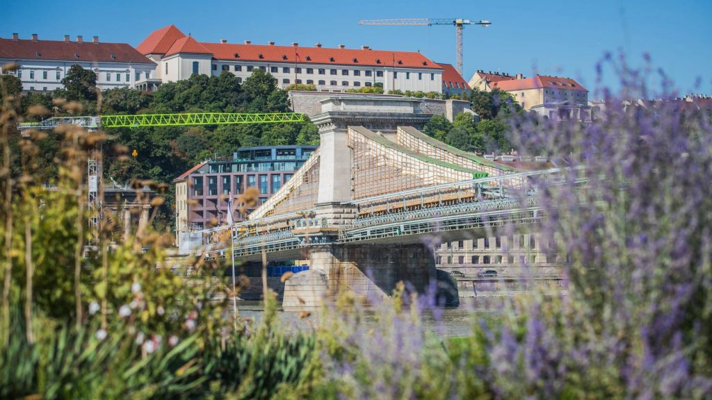 The Resurrection of Budapest's Iconic Chain Bridge Continues – PHOTOS! post's picture