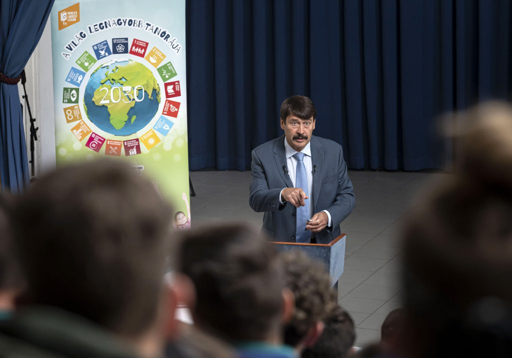 President Áder: World Running Out of Time to Tackle Climate, Water Crises post's picture