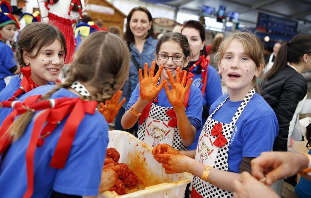 Csabai Sausage Festival Named Second Best European Autumn Food Festival post's picture